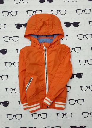 Ветровка . курточка