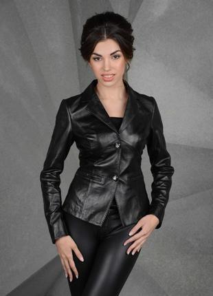 Классическая кожаная куртка ,пиджак
