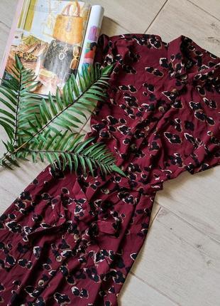 Стильное платье рубашка миди в анималистический принт с карманами прямого кроя