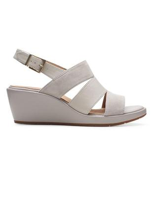 Кожаные босоножки сандалии clarks новых коллекции
