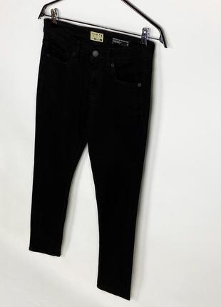 Чёрные зауженные джинсы slim