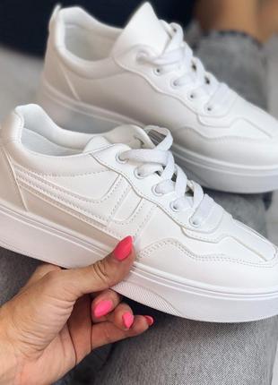 Кроссовки белые , эко-кожа,  платформа 3,5 см