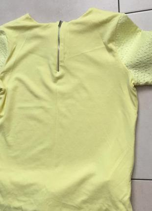 Нпрядная кофточка ярко жёлтого цвета