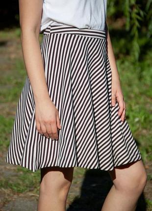 Красивая юбка в отличном состоянии