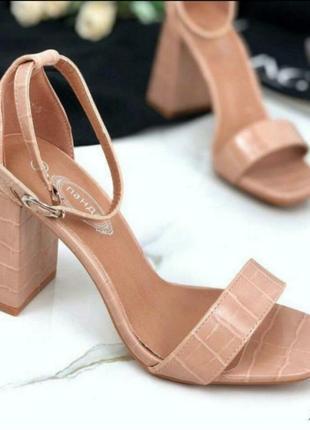 Легкие босоножки 🌿 каблук классика сандалии мюли