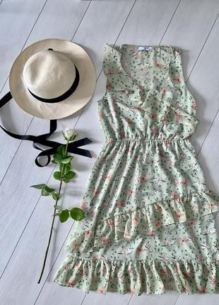 Продам платье цветочный принт рюши reserved 8 размер s