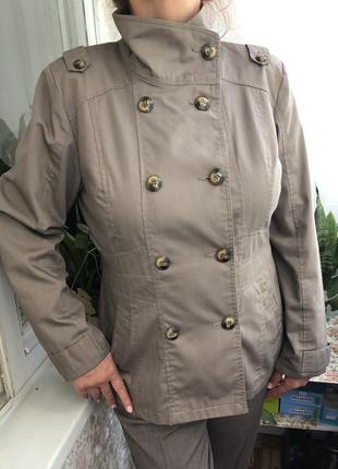 Куртка,плащ,пиджак,ветровка,бомбер.размер l-xl.