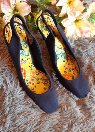 Шикарные туфли с открытой пяткой бренда next