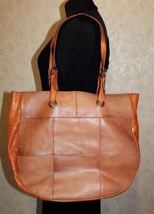 Добротная кожаная вместительная сумка  шоппер
