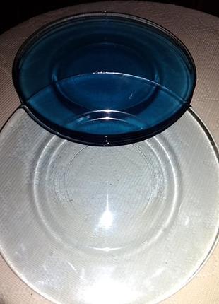 Тарелки из прозрачного стекла
