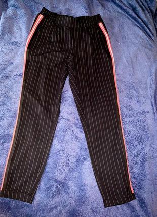 Женские брюки с вставками