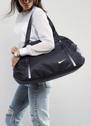 Очень крутая дорожная спортивная сумка nike