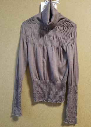Оригинальный тонкий свитерок
