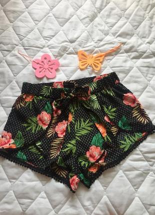 Шорты шортики красивые яркие пляжные или домашние s\m new look цветы