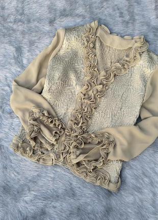 Блузка кофточка с рюшами и фактурным узором оливкового оттенка
