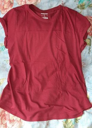 Базовая футболка женская бордо марсала