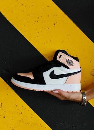 Женские кроссовки nike air jordan 1 retro high patent pink toe