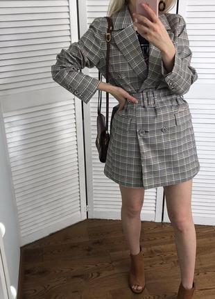 Хітовий піджак в клітинку з поясом