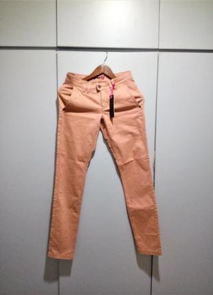 42-44 р стильные джинсы лососевый street one
