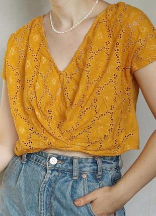 Горчичный жёлтый желтый кроп топ майка футболка с прошвой прошва  zara
