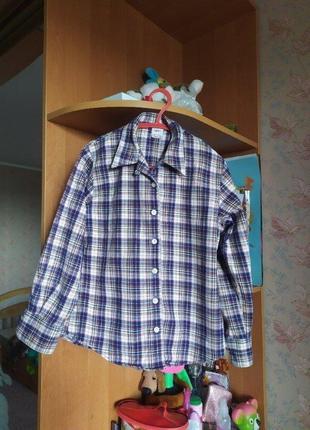 Продам красивую теплую рубашку на мальчика рост 128см