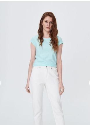 Новая базовая футболка мятного цвета мята