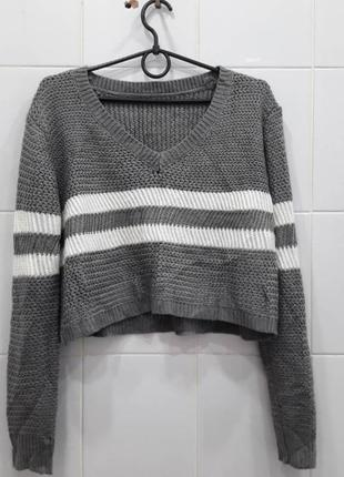 Легкий вязанный свитер с полосками