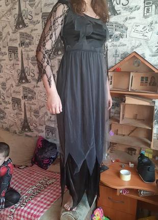 Карнавальное платье чёрное с кружевом ведьмы,привидение- 42-44 р.