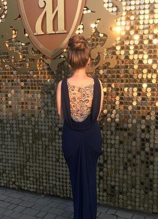 Вечернее платье с шикарной спинкой 🔥