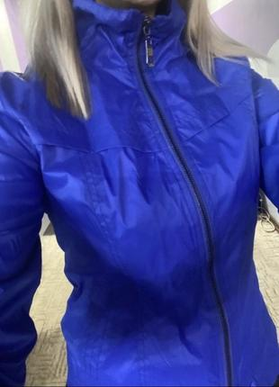 Курточка - ветровка