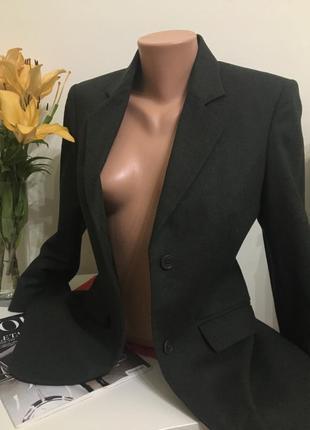 Актуальный шерстяной пиджак от sisley xs