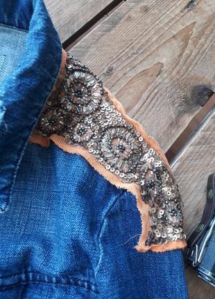 Трендовая джинсовая куртка, с этно рисунком. летняя куртка с вышивкой3 фото
