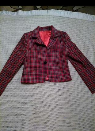 Стильные укороченный пиджак