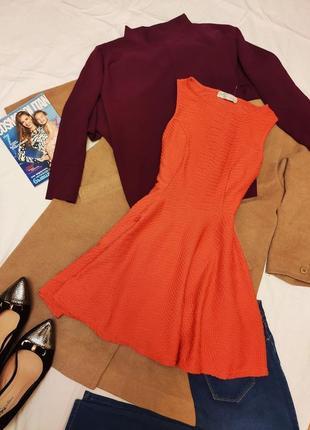Cameo rose платье оранжевое морковное с тиснением фактуроное