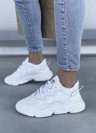 Женские шикарные кроссовки adidas ozweego white / белые адидас