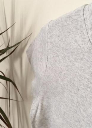 Новая светло-серая котоновая футболка