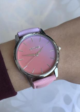 Женские наручные градиентные часы сиренево-розовые oktime