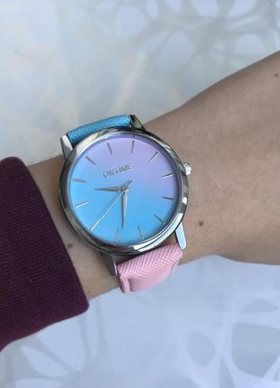 Женские наручные градиентные часы голубо-розовые oktime