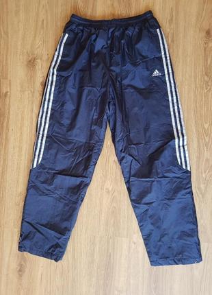 Теплые спортивные штаны adidas темно-синие.