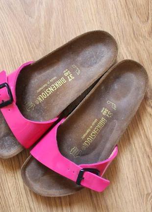 Кожаные летние немецкие шлепанцы тренд легендарный бренд birkenstock