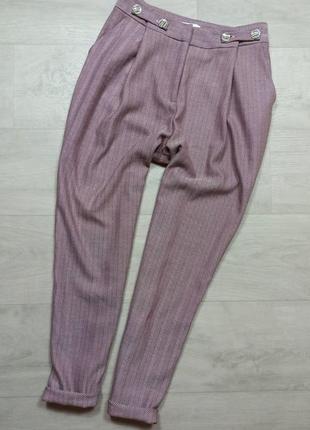 Плотные брюки с высокой посадкой