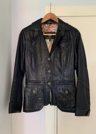 Кожаная куртка испания р.s женская жакет