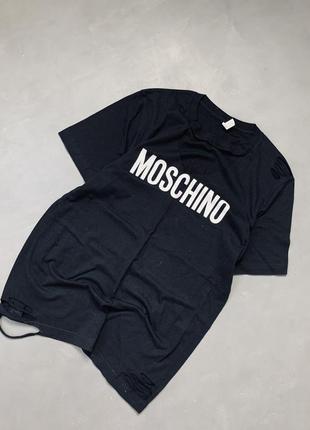 Футболка с чокером moschino