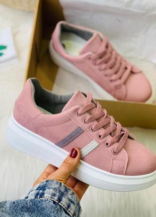 Розовые женские крутые кеды