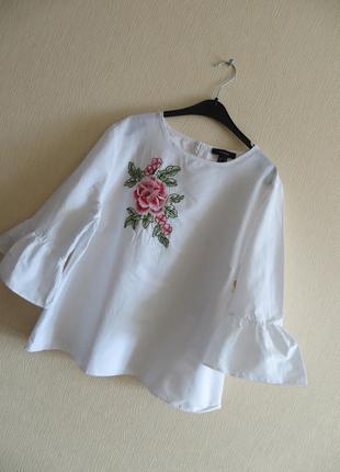 Белая блузка с вышивкой цветок от atmosphere. блуза с вышивкой