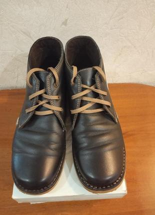 Кожаные испанские осенние ботинки
