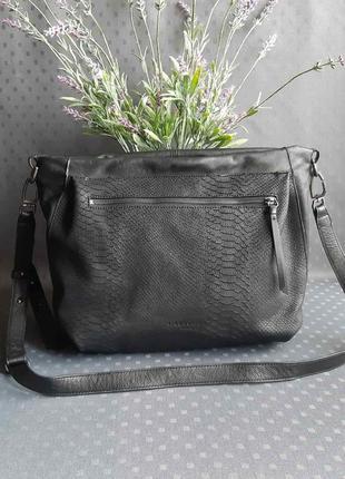 Кожаная шикарная вместительная черная сумка фирмы liebeskind berlin в новом состоянии