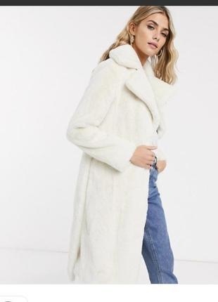 Шуба белая с искусственного меха ,пальто зимнее с меха