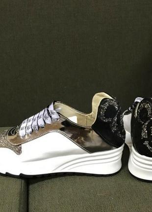 Эксклюзивные кроссовки с мики маусом,кожа,размер 36.