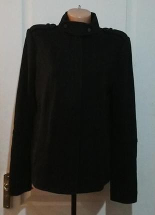 Пальто шерстяное vince. ценник 625 долларов